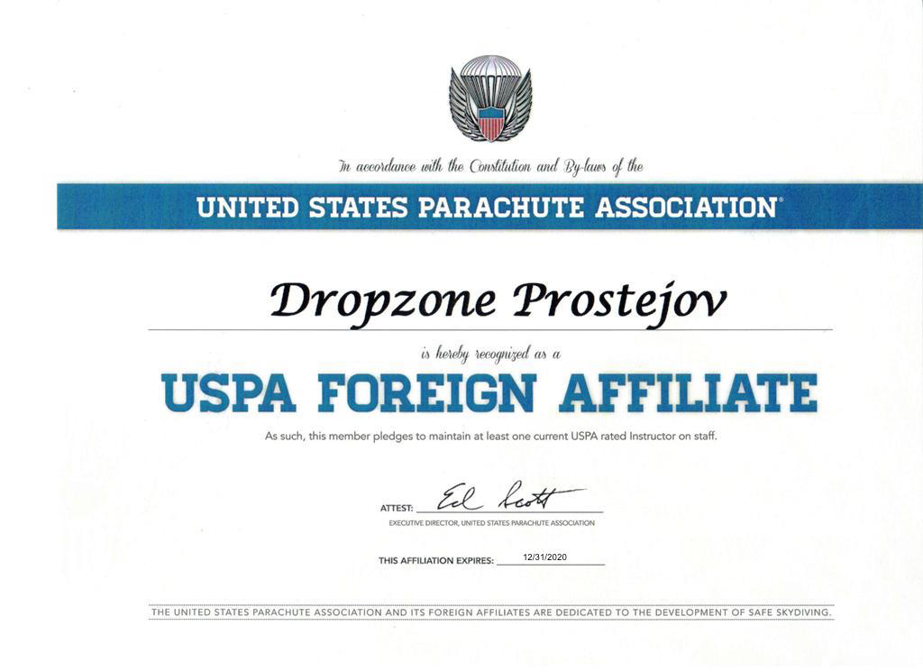 Membership in the world parachuting organization USPA